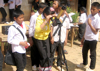 A solar telescope at use during Discovery Day in Kiu Kajam, Laos